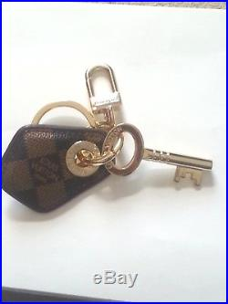 Auth Louis Vuitton Monogram Black / Brown & Gold Key Ring
