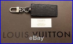 Authentic LOUIS VUITTON Key Ring Holder Charm Black Leather, box, bag NO receipt
