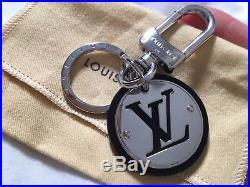 Authentic Louis Vuitton Black LV Cut Circle Key Holder Keychain