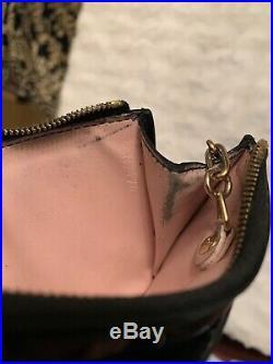 Authentic Louis Vuitton Vernis Key Pouch Black