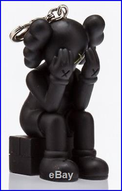 KAWS OriginalFake x Medicom Toy'Passing Through' 2013 Keychain Pendant Blk NEW