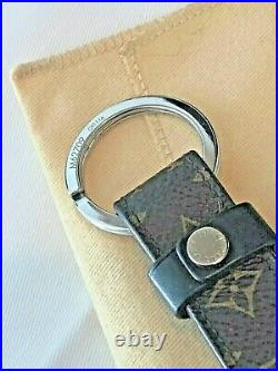 LOUIS VUITTON Key Holder Dragonne MONOGRAM With BLACK TRIM Silver Ring / Hardware