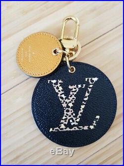 Louis VUITTON JUNGLE GIANT Monogram BAG CHARM Key Holder Black / Caramel. NEW