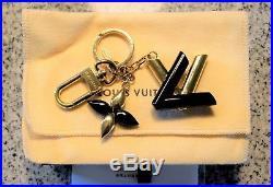 Louis Vuitton Twist Bag Charm, Key Ring Black & Gold M68009 D100175 Authentic