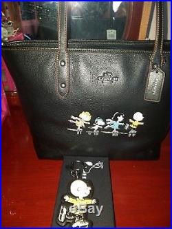 NEW! Coach x Peanuts Snoopy 18904 City Zip Tote WITH KEY CHAIN NWT LTD Edition