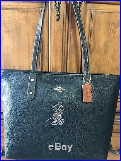 NWT Coach x Disney 38621 Minnie Mouse Motif Black Zip Tote With Key Chain