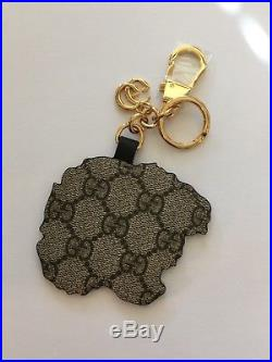 NWT Gucci Tiger Keychain Embroidered Tiger Head Leather Base Gold Tone Hardware