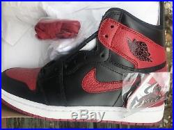 Nike Air Jordan 1 RETRO High BANNED Bred 2016 Size 11 Black/Red + AJ1 Keychain