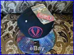 RARE NEW Nike GALAXY / GALAXY FOAMPOSITES Snapback Cap with Hang tag key chain