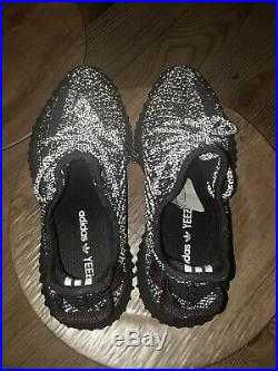 Yeezy boost 350 v2 static reflective. Size12.5 mens with yeezy keychain